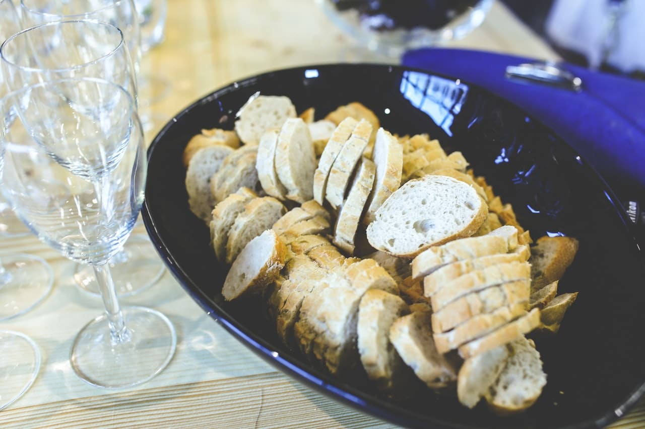 3 Ways Finger Food Catering Can Enhance Your Wedding Event